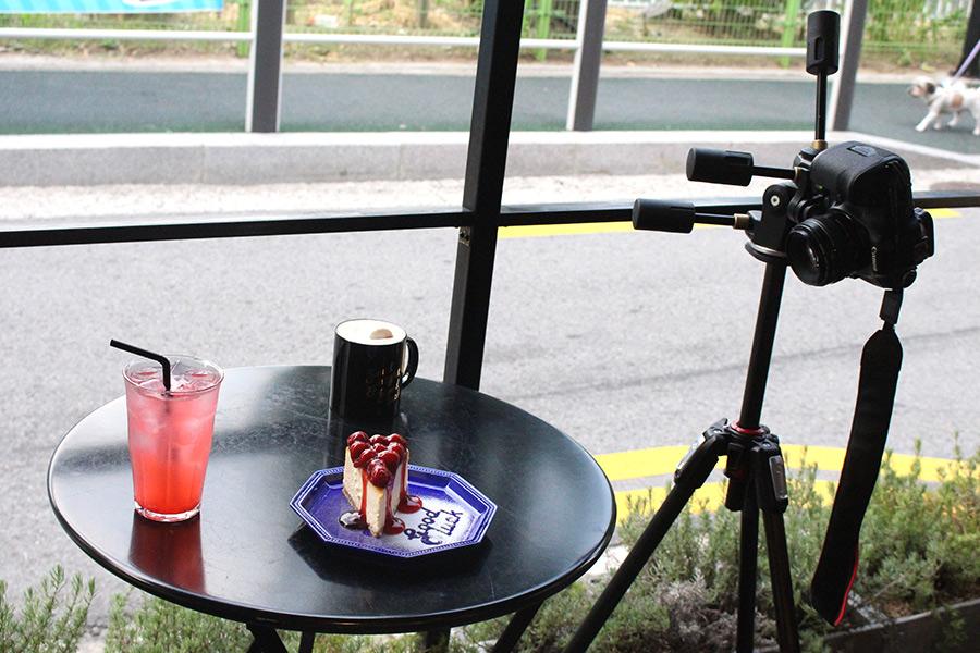 即使是同樣的食物  不同的拍攝角度 呈現出來的照片可是會大大不同