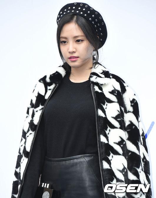 Apink的娜恩近來除了拍戲,就是跑跑時尚趴!上周末開始,首爾舉辦一連串的時裝活動,當然美美噠娜恩也要美美噠出席囉~