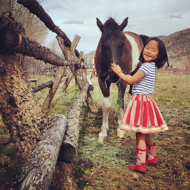 凱瑟琳領養了韓國女孩(3歲)Nayleigh 是在2009年