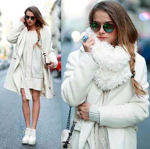 All white 的全身白色系搭配  用大衣、圍巾等飾品創造層次感 同色系的裝扮絕對會是行人注目的焦點