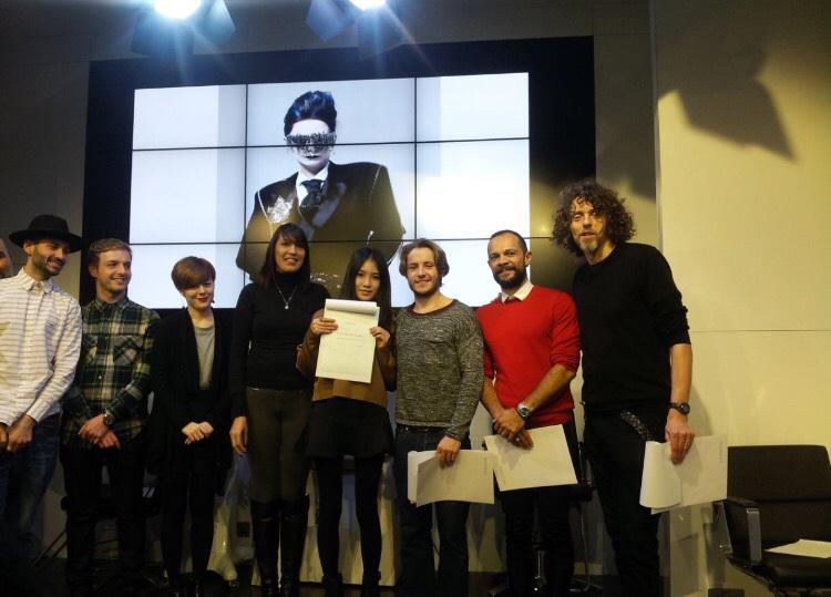 現在已經有了很多在Show上設計髮型的經驗,還特意去了倫敦進修了維達·沙宣的課程。