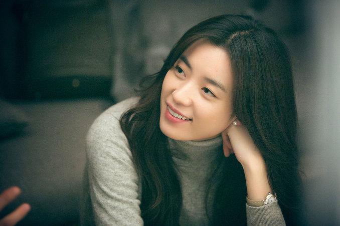 不止是外貌, 在<MBC 演技大賞><百想藝術大賞>贏得女子最優秀演技賞, 在<青龍電影獎>拿下最佳女主角的實力派女演員!