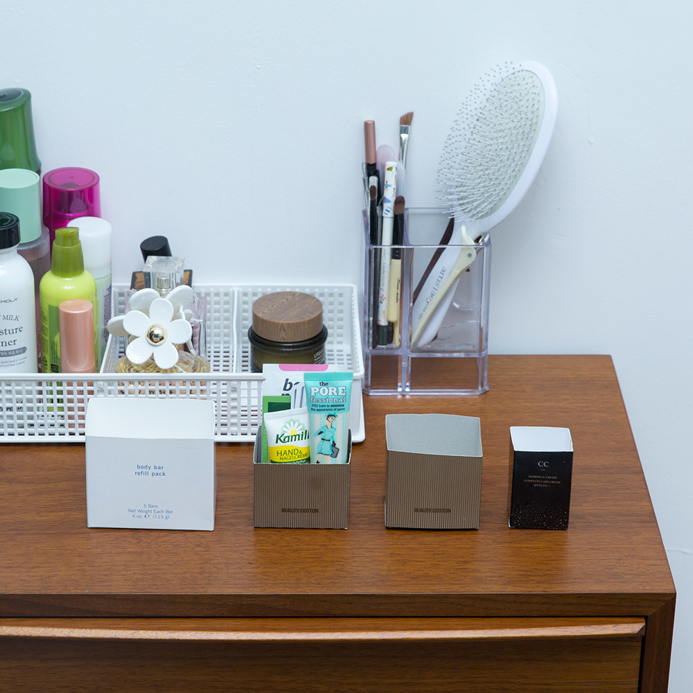 化妝棉、基礎化妝品包裝盒等也可以做成收納盒,記得合理利用哦!