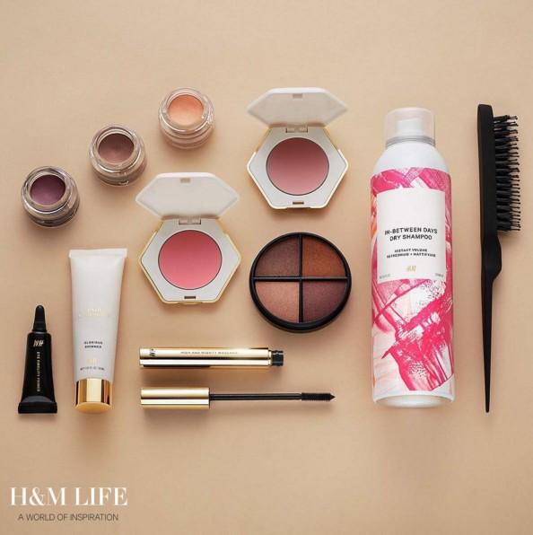 今天!就是今天!10月21日,已經在H&M的全球網站與900多個據點開始販售第二批彩妝商品囉!