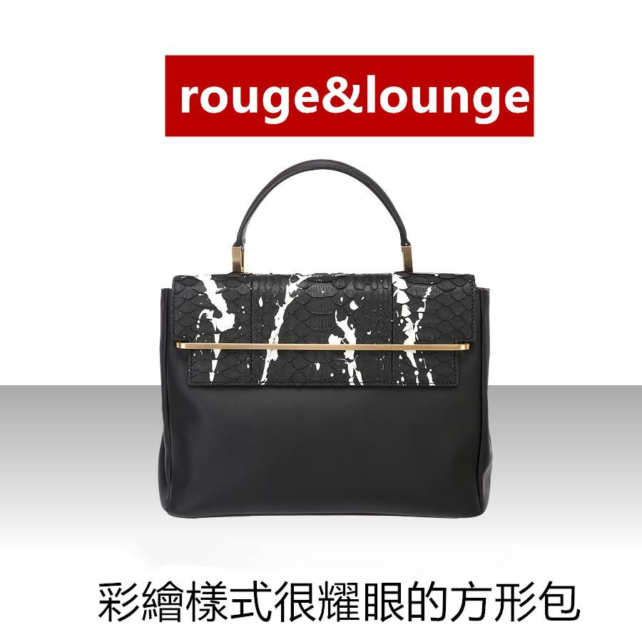 把手部分與彩繪樣式很耀眼的Rouge & Lounge 方形包,具有足夠的空間因此很實用,有大中小3個尺寸,有白色與黑色等4種顏色,因此可以放心任你選。
