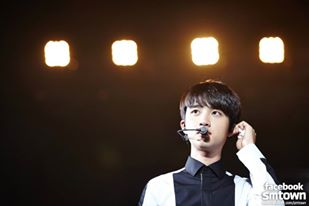 第一位想要珍藏在口袋的男偶像是... 沒錯沒錯!就是演技備受肯定的 EXO 主唱「D.O.」。