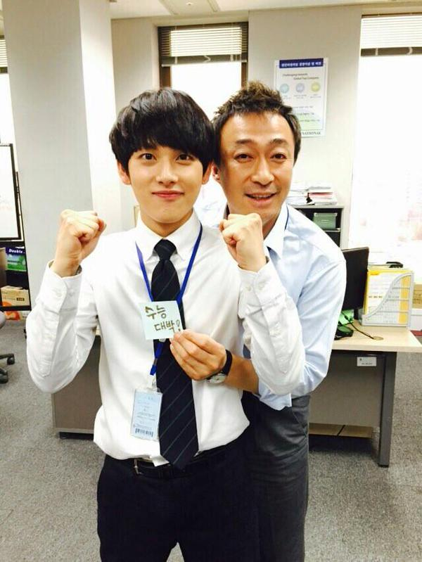 在韓劇《未生》中有亮眼表現的他,看不出來也是小小隻男孩耶!
