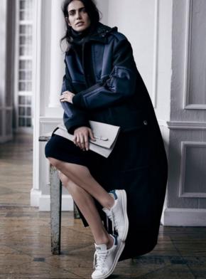 話說最近球鞋+裙子不是趨勢嗎?你要不要也這樣搭配起來呢?