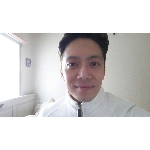 【H】1999年出道的老牌R&B歌手현승민(音譯玄聖閔),最近劉在錫跟Dara主持的節目Sugarman的來賓就有他唷