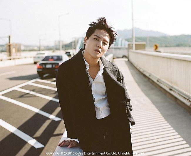 XIA 俊秀10月19日發行迷你專輯《Yesterday》,同名主打歌《Yesterday》MV也推出了!