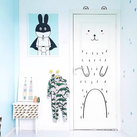 這樣的童話感設計,也特別適合用來裝飾孩童房。每天打開房門,是不是就像展開一場奇幻冒險呢?