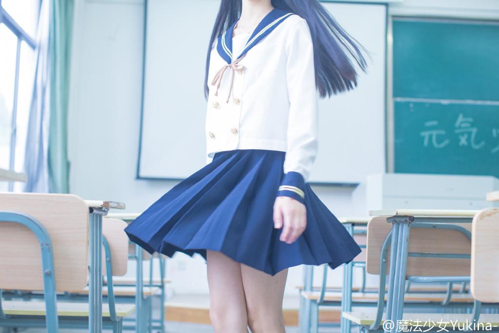 日本特有的清涼感與神秘感的美少女戰士制服