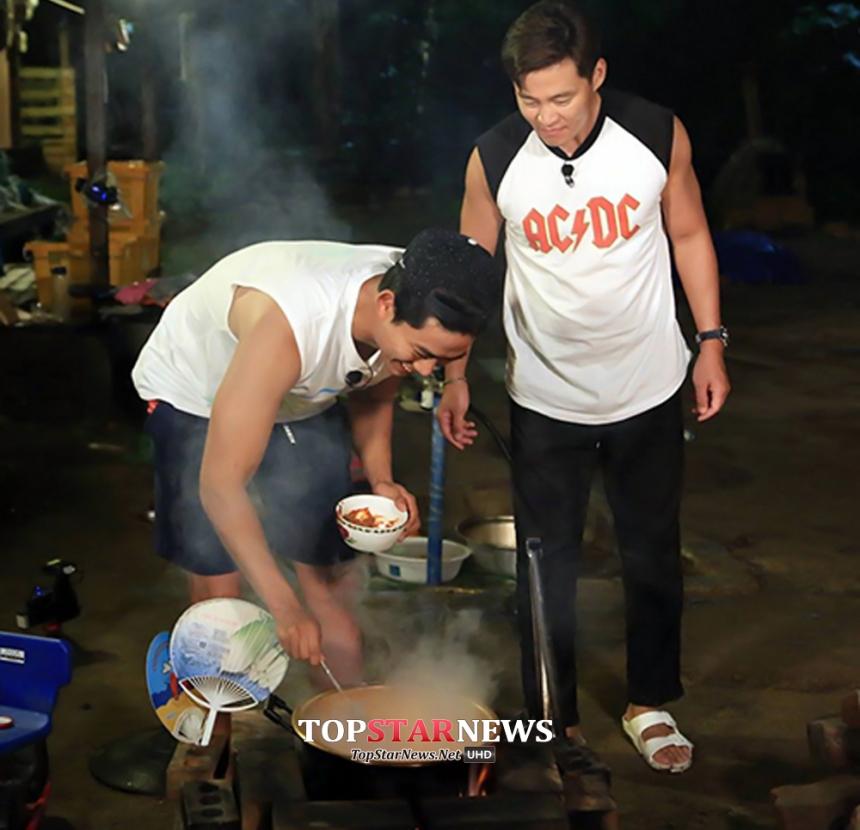 特別是在tvN的《三時三餐》中展現的 率真還有充滿幽默魅力的一面… 難怪可以成為韓國人最喜愛的「挑剔王子」