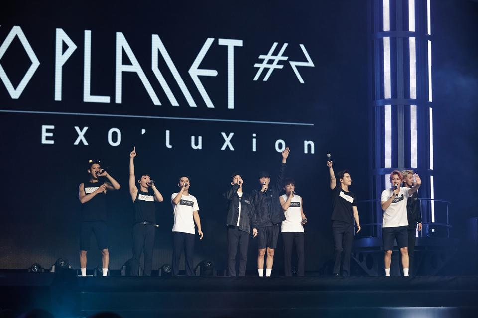 事情是這樣的,日前公司公布,EXO將在10/31~11/15舉辦的「EXO PLANET # 2 - The EXO'luXion - in JAPAN」日本巡迴演唱會,LAY將會缺席!