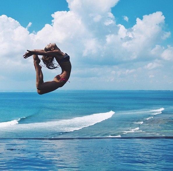 他的妹妹Sjanaelise Arp常常在自己的IG上上傳一些瑜伽及生活類的照片,目前有95萬跟隨者,算是一名小網紅...