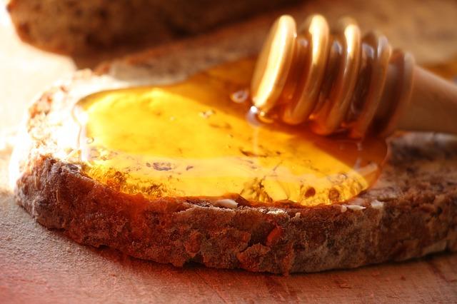 像是搭配著性質偏熱的蜂蜜一起享用 不僅能夠調合牛蒡的寒質也能蓋過牛蒡的味道!真是一舉數得呢!