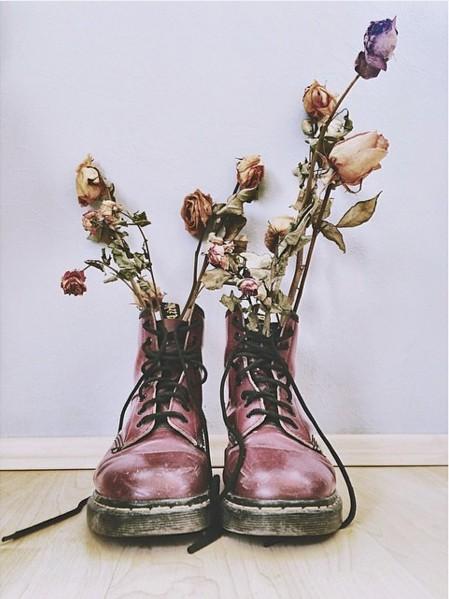 幾乎是被稱為百搭的馬汀鞋,是露可你看年輕時的夢幻鞋款。