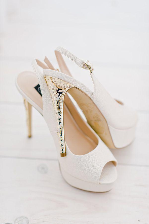 果然服裝的完成品是鞋子~ (我拒絕服裝的完成品是臉的說法keke) 總之呢,從頭到腳都要仔細的準備好!