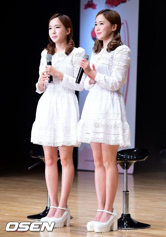 13.Crayon Pop ChoA、Way 這對雙胞胎也是長得超級像的XD尤其穿上一樣的衣服…相信她們的粉絲還是一眼就能認出來