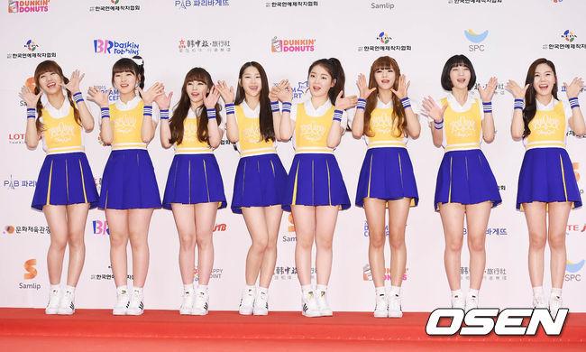 穿這種啦啦隊服裝站一排看起來更是青春