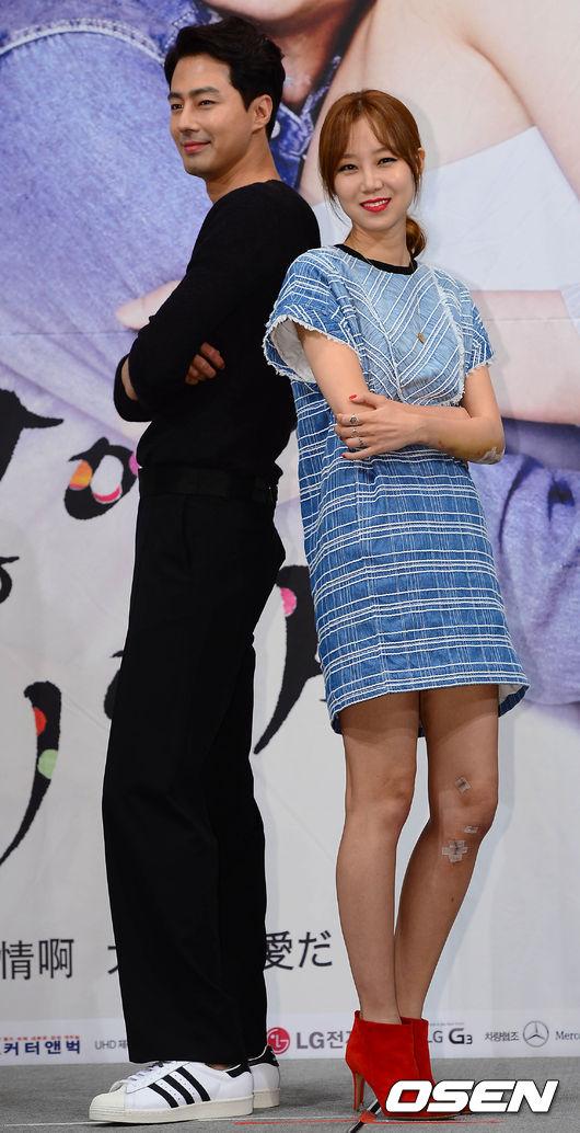 #6位 沒關係,是愛情啊!(2014) 主演:趙寅成 孔曉振 以醫院精神科為背景,講述兩位性格迥異的主人公陷入愛河而展開的浪漫愛情故事。