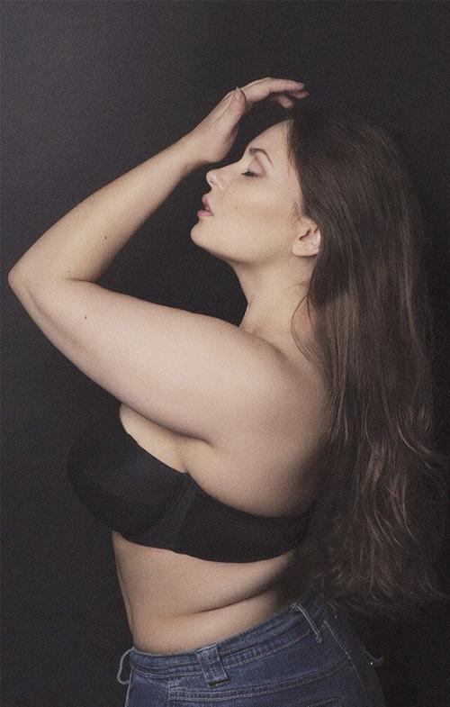 胖妞美麗秘籍 #2>>  「知道自己最美的pose,最美的表情是什麼!」
