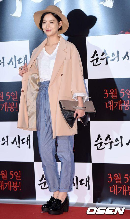 演員吳漣序做了秋冬最好的示範,以裸色、粉嫩色調作為搭配,展現了親民美感!