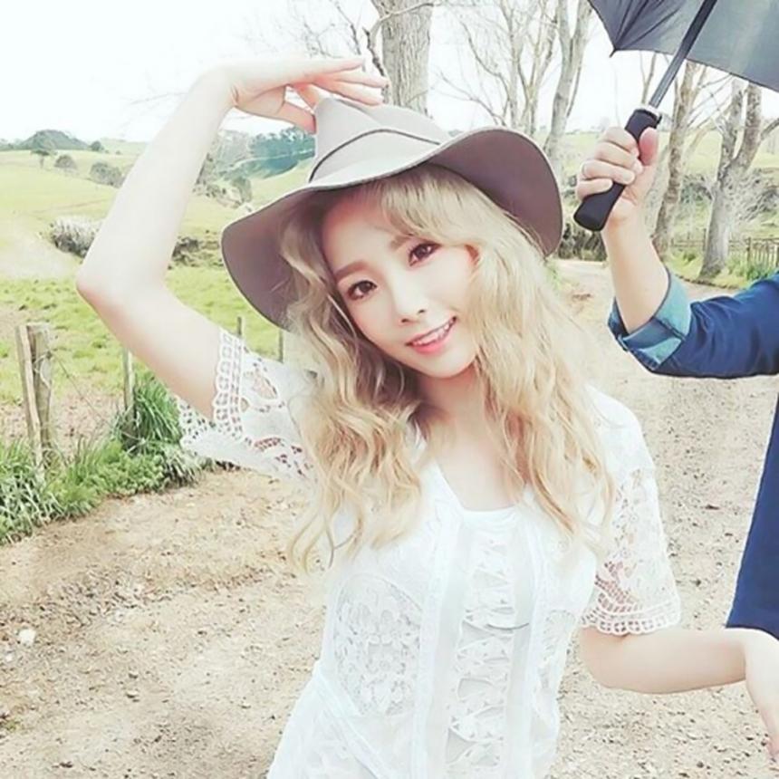 另外駝色的帽子也是許多人做穿搭的首選喔,太妍就很喜歡!