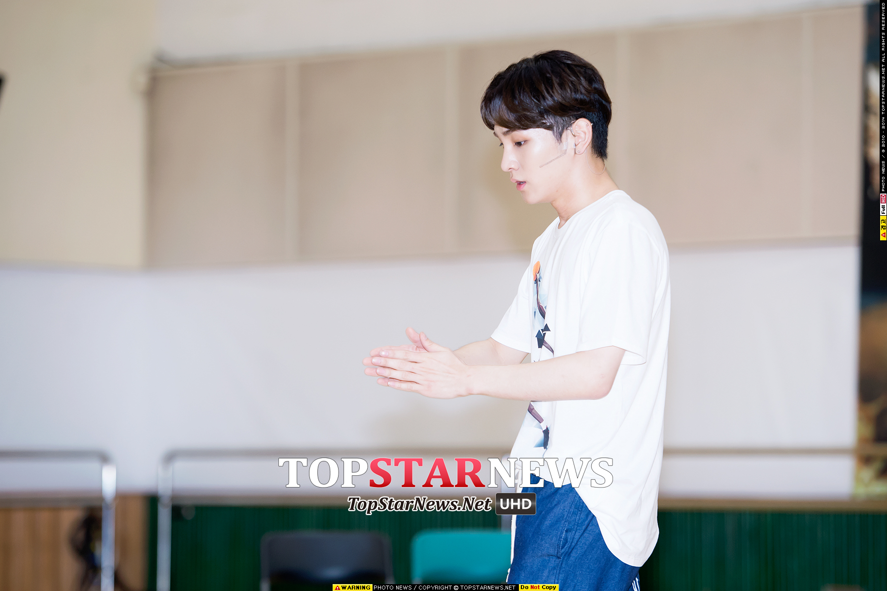 2.SHINee Key Key的白嫩肌膚在韓國媒體界也很出名XD