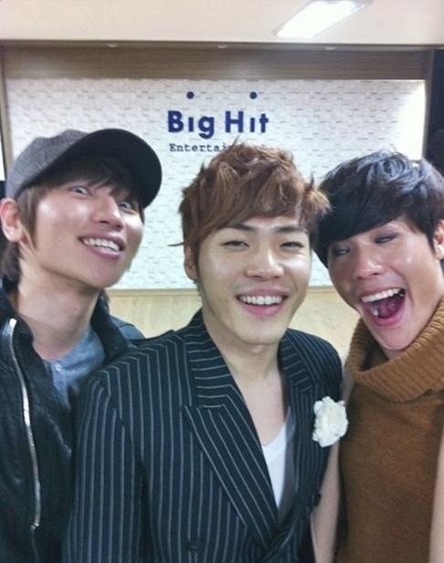 雖然說輝星、K.will 和李賢是實力派歌手 但不要這樣拋棄形象啊~~