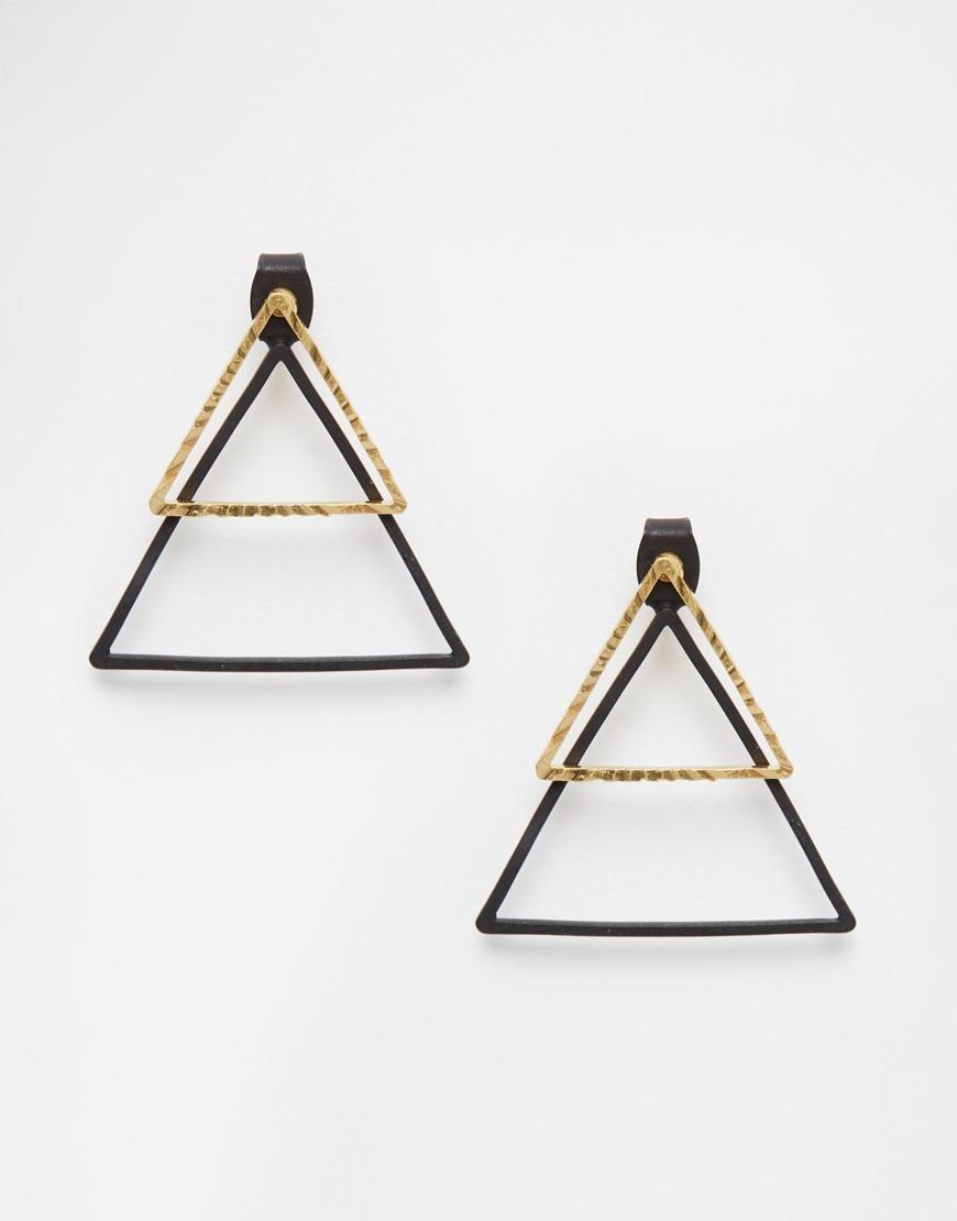 三角形一直是深受女生歡迎的幾何耳環圖形,雙色雙型的設計光想就覺得很酷!