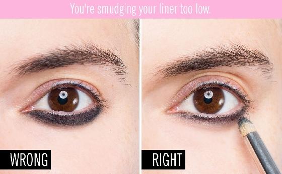 很多妞妞喜歡將下眼線加粗,尤其畫煙燻妝的時候最為需要。不過沒有使用正確暈染方式,也很容易看起來像脫妝,因此在畫的時候,可以先畫一條粗細適中的眼線,接著用筆刷輕輕暈染,暈染的範圍也不要太多,最好做出一點漸層,看起來會比較自然喔。