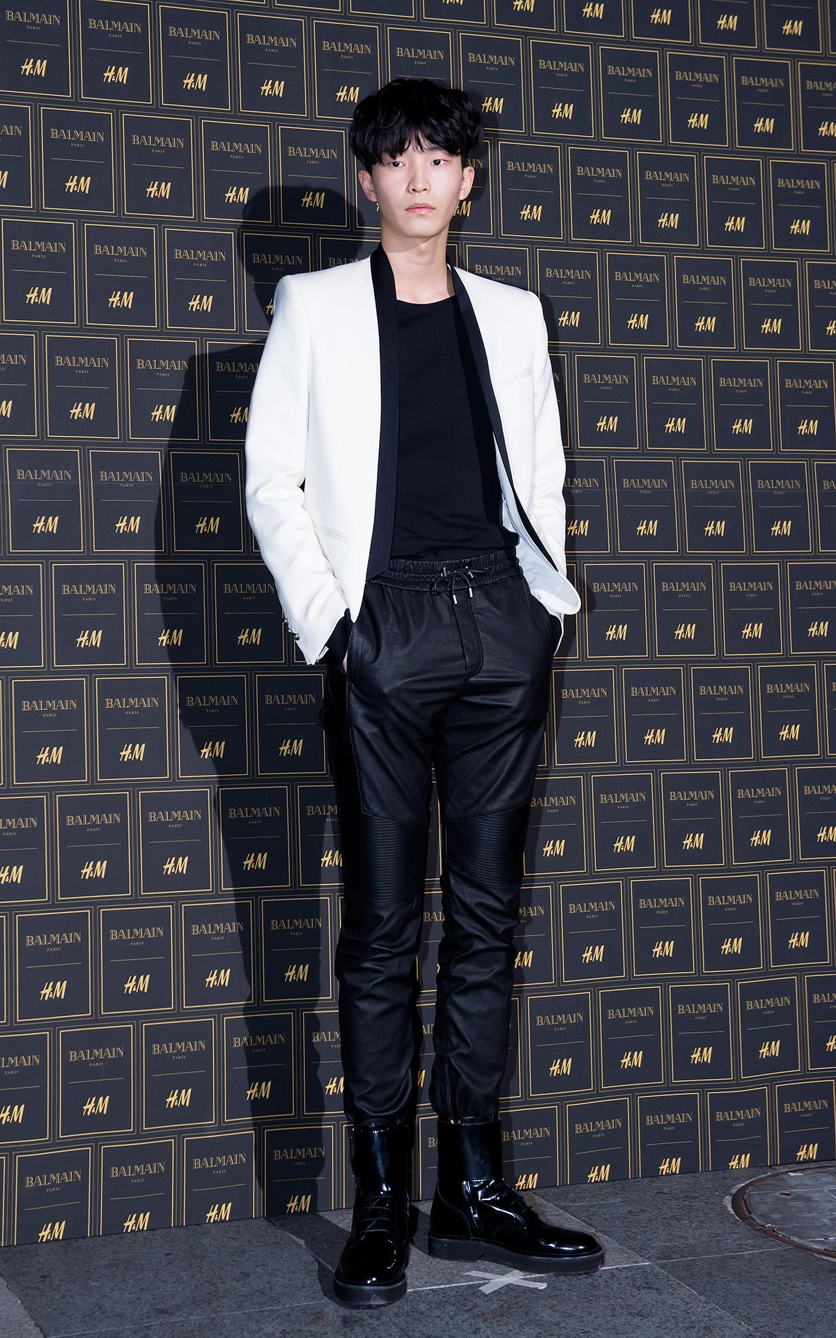 男模安承俊則做了對比的黑白色系造型,藏不住的一雙大長腿超迷人的!