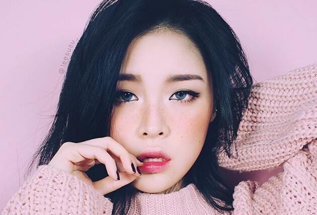 雖然李秀真(音譯)是近期才開始寫部落格,但是集美貌與技術為一身的她只要發新的美容或彩妝教學內容就會引起瘋狂的轉發。