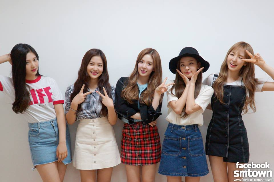 Irene 是 Red Velvet 的隊長,也是隊內的主 Rapper 和副主唱。