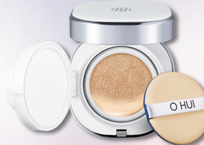 TOP 6:O HUI LG集團旗下一線護膚品牌,是兼有傳統之美與現代氣息的時尚護膚寵兒。在韓國久負盛名,被消費者譽為「源自植物的肌膚科學」堅持製造符合亞洲人的肌膚產品這一理念,同時結合大自然法則和現代科學技術,塑造現代人的美麗夢想。