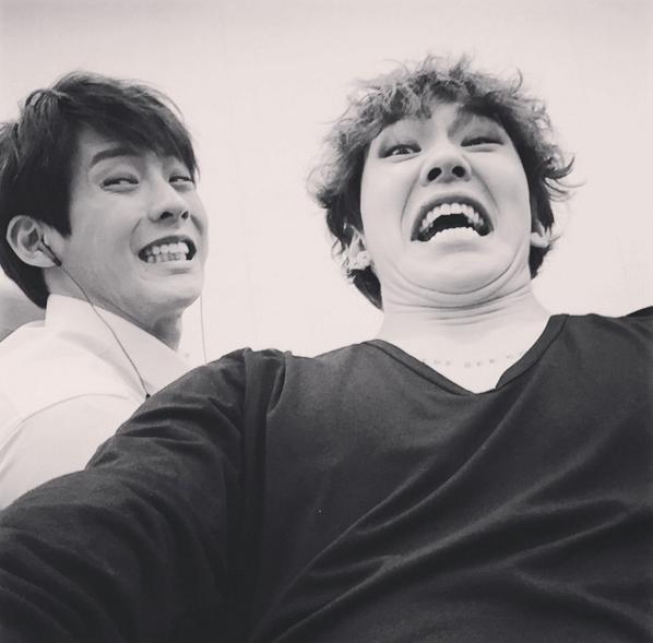 就在我以為至少旼赫都會帥帥自拍時,好的,他也是 BTOB 的成員沒錯!
