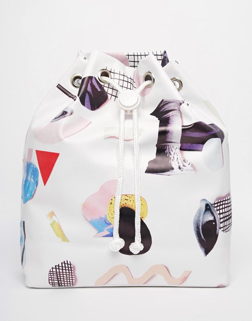 對這種前衛、獨特的圖案印花就是受不了,好想買!另外束口袋背包也是今年爆紅的款式。