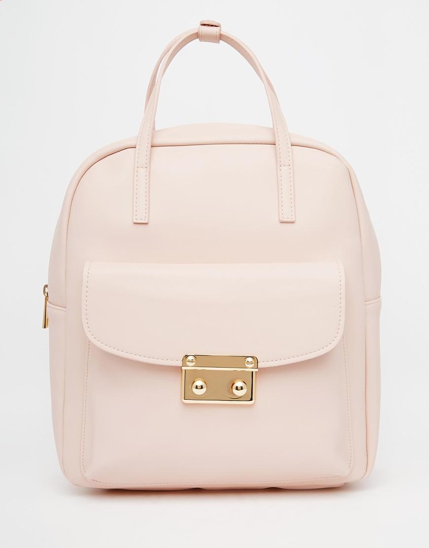 粉嫩色的包包不覺得很有氣質嗎?不管是背著或是提在手上都覺得幸福!