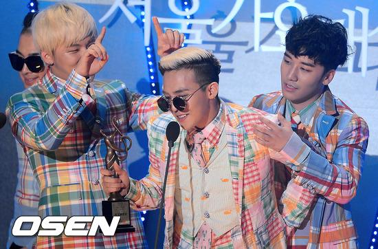 受GD的影響,BIGBANG甚至集體穿上Thom Browne過
