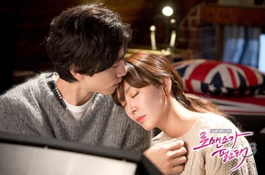 6.金素妍♥盛駿《需要浪漫3》 這一部也是走一個男主角從小時候就很喜歡女主角高中生姊姊的路線