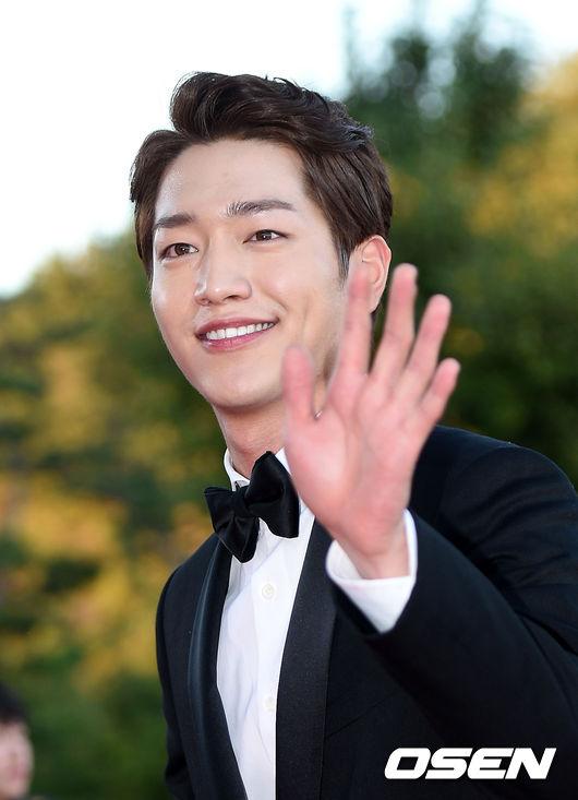 #9位 徐康俊 這位擁有「國民年下男」稱號的清爽boy,不只是有外貌,還用行動展現給大家驚人的才華與演技。