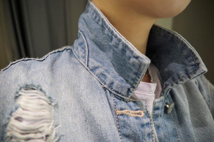 而且在試穿的時候不小心翻過衣領 竟然發現連領下沒看到的細節都多加了一道車縫 連這種小地方都注意到!實是在太加分