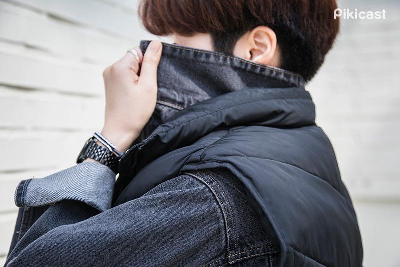 雖然棉的溫暖感受和丹寧的冷調是完全相反的感受 但卻是個天作之合的搭配 下次不妨也這樣穿搭試試吧!