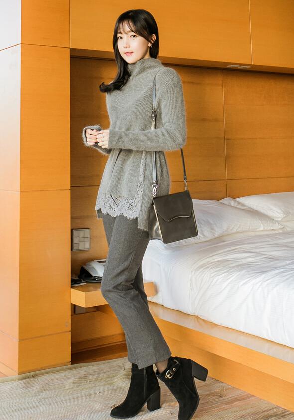 6.搭配休閒西服褲 搭配西服褲乾淨利落盡顯職場OL風~再踩上一雙及踝靴,到腳踝的設計成功的拉長腿部,粗跟款隨便穿穿就是隨性與率真,細跟靴款又非常優雅性感。