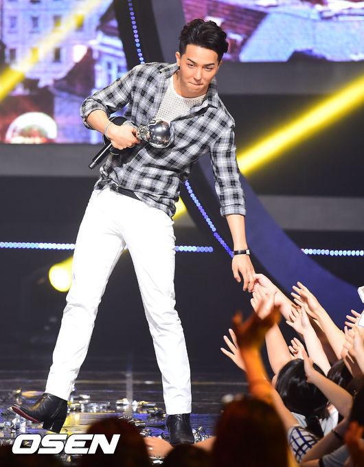 ☆宋旻浩 雖然還沒有正式發行過個人專輯  但是透過嘻哈選秀節目發行的單曲攻佔音源前面名次 就能看出他的個人實力