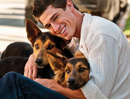 11. 寵物 女生會覺得養寵物的男生有愛心、有貢獻精神,會覺得養寵物的男生更容易親近、很溫暖♥~