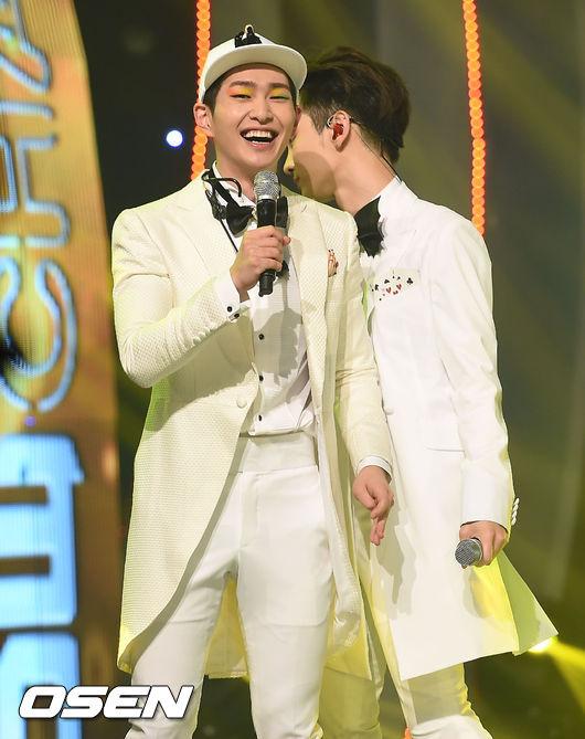 從被韓媒稱讚為「男版太妍」就能看出媒體對溫流的信心 溫暖的音色和穩固的粉絲及獨特的舞台魅力值得信賴