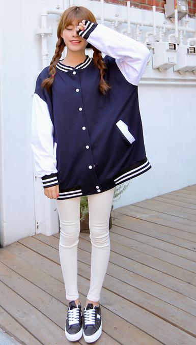 嬌小女生一定要嘗試這種寬鬆長款棒球服~會讓你顯得更加嬌小可人,甚至可以跟男朋友換著穿。