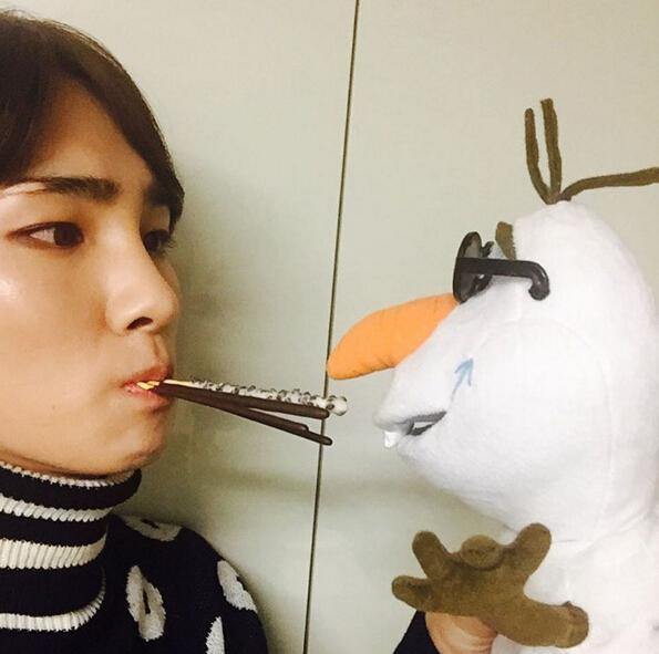 韓國的11月11日叫做Pepero Day(빼빼로데이),有好感的男女會互相送pepero餅乾,可以趁這個機會告白,也變相成為一個情人節!